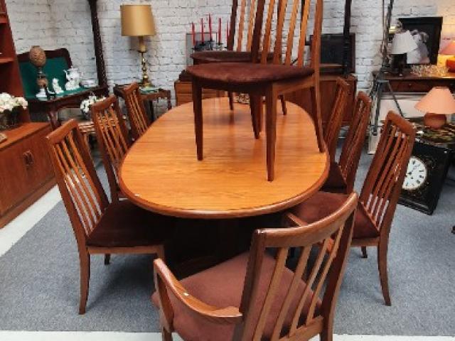 table et chaises en teck vintage années 70 de marque G Plan de provenance anglaise